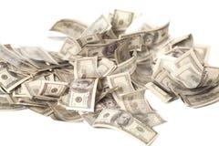 100 изолированных куч банкнот доллара Стоковые Фотографии RF