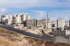 Израильская разделительная стена отделяя Израиль от западного берега Джордана - Иудеи и Samaria Стоковое фото RF