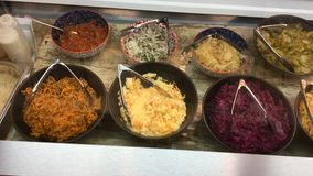 Израильский салат-бар стоковые изображения rf