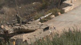Израиль, около 2011 - танк IDF управляя рядом с границей Ливана акции видеоматериалы