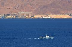 Израильская шлюпка военно-морского флота патрулируя в заливе Eilat Израиля Стоковая Фотография