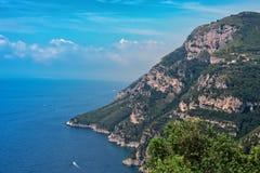 Изрезанная береговая линия Амальфи в Италии Стоковые Изображения RF