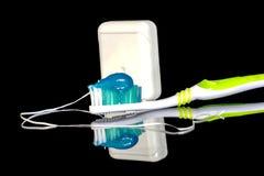 Изреките здоровье с правой зубной пастой и зубоврачебной зубочисткой Стоковые Фото