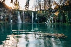 Изумительные водопады в национальном парке озер Plitvice Хорвата Стоковые Фотографии RF