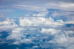 Изумительные облака и атмосфера неба стоковые изображения rf