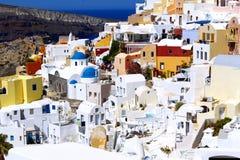 Изумительные цвета домов Santorini Стоковые Фото