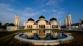 Изумительный взгляд мечети Baiturrahman грандиозной, Ачеха, Индонезии Стоковое фото RF