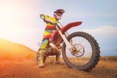 Изумительный всадник Motocross стоковые изображения rf