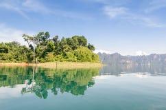 Изумительный прибрежный пейзаж близко к югу от Таиланда Стоковые Фото