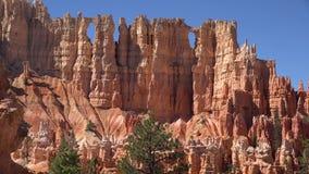 Изумительная съемка ландшафта 4k воздушная назначения Юты каньона Bryce национального туристского с скалистыми каменными красными видеоматериал