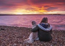 изумительное красное небо над заливом Стоковое фото RF