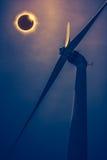 Изумительное научное естественное явление Полное glowi солнечного затмения Стоковые Фотографии RF