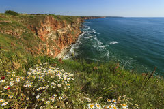Изумительные взгляды моря от высокой скалы стоковое фото rf