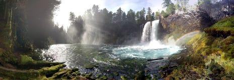 Изумительные падения радуги Стоковые Фотографии RF