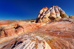 Изумительные цвета и формы образований песчаника в долине парка штата огня Стоковые Фотографии RF