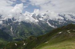 Изумительный австрийский ландшафт горных вершин стоковые фотографии rf