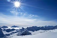Изумительный ландшафт горы зимы Стоковое фото RF