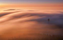 Изумительный взгляд от насмеханного горного пика во время холодного зимнего дня Либерец, Чешская Республика стоковое фото