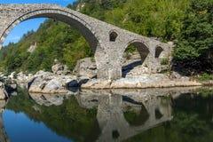 Изумительный взгляд Devil& x27; река моста и Arda s, Болгария Стоковые Изображения RF