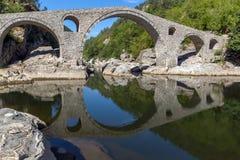 Изумительный взгляд Devil& x27; река моста и Arda s, ulgaria Стоковое Изображение RF