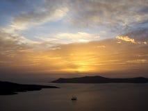 Изумительный заход солнца морем Заход солнца Santorini Стоковое фото RF
