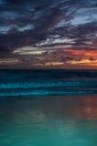 Изумительный заход солнца пляжа моря Стоковое фото RF
