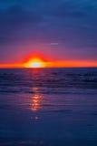 Изумительный заход солнца пляжа с красивым небом, Гаваи Стоковые Фотографии RF