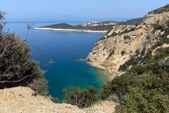 Изумительный малый пляж с открытыми морями в острове Thassos, Греции Стоковая Фотография RF