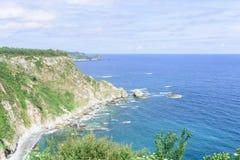 Изумительный панорамный ландшафт с бесконечным морем стоковое изображение