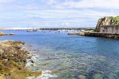 Изумительный панорамный ландшафт с бесконечным морем Стоковая Фотография RF
