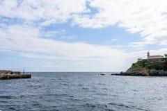 Изумительный панорамный ландшафт с бесконечным морем Стоковое Фото