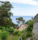 Изумительный панорамный ландшафт с бесконечным морем стоковые фото