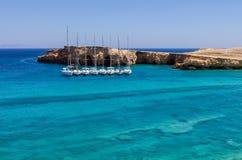 Изумительный пейзаж в острове Ano Koufonisi, Кикладах, Греции Стоковое Изображение