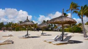 Изумляя белые пляжи, тропические каникулы, остров Маврикия стоковое фото