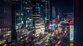 Изумляя взгляд ночи Кореи Сеула с зданием и движением Стоковая Фотография