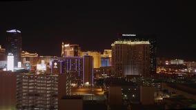 Изумляя Лас-Вегас к ноча - красивые гостиницы и казино на прокладке - США 2017 сток-видео