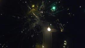 Изумляя фейерверки 4-ое июля от взгляда трутня сток-видео