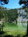 изумрудная гора озера Стоковое Изображение RF
