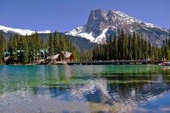 Изумрудное озеро в национальном парке Yoho в Британской Колумбии Стоковое Изображение RF