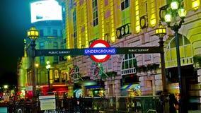 Изумляя промежуток времени подземного знака цирка Лондона Picadilly гипер сток-видео