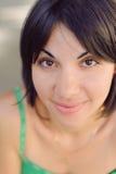 Изумляя усмехаясь женщина Стоковое Фото