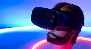 Изумлённые взгляды виртуальной реальности 3D vr 360 Smartphone Стоковое Изображение