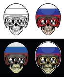 Изумлённые взгляды черепа велосипедиста и шлем флага России Grunge Стоковые Изображения RF