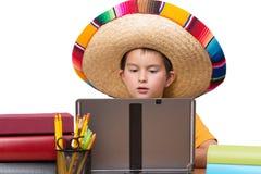 Изучать молодого мексиканского мальчика Стоковое фото RF