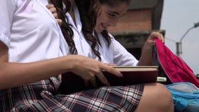 Изучать студентов девушки школы Стоковая Фотография RF