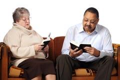 изучение библии старшее Стоковая Фотография