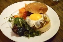 Изысканный бургер Стоковое Изображение RF