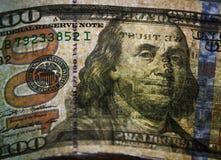 100 из долларов США на старой деревянной предпосылке Деньги, состав дела Стоковое Изображение