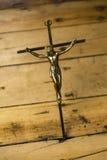 Иисус на кресте металла стоковая фотография rf