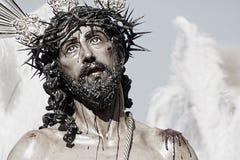 Иисус обнажал его одежд, пасхи в Севилье стоковые фотографии rf